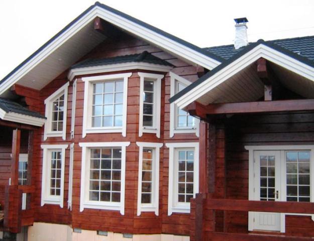 Интересный дизайн дома из кленного